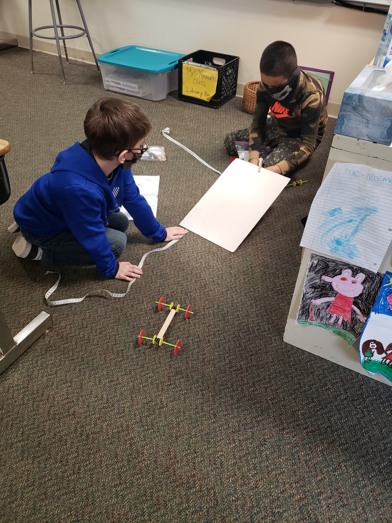 Third graders in Mrs. Niemuth's class experimented with motion and distance with carts they designed individually while solving engineering challenges. #WalworthSTEM #WaworthJ1