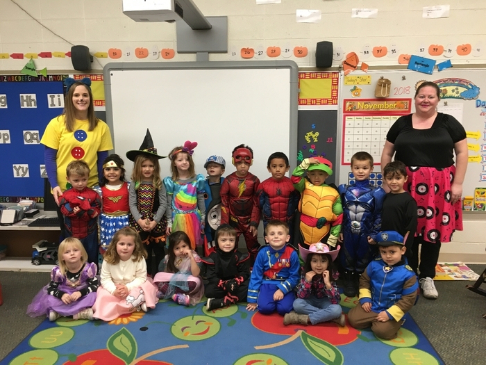 Halloween fun in Mrs. Janney's junior kindergarten! 🎃 #WalworthJ1
