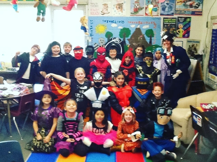 Mary Poppins and her second grade class had a practically perfect Halloween! 🎃 #WalworthJ1