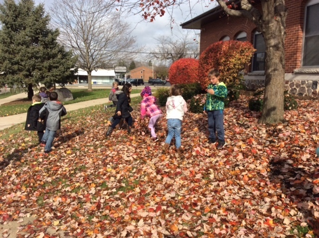 Mrs. Hummel's kindergarten class had a blast with the beautiful, fall fun! #WalworthJ1