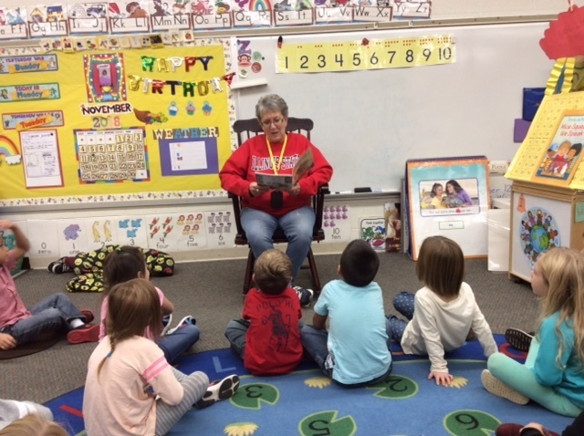 Mrs. Hummel's Kindergarten class enjoyed a visit with their first Rotary Reader of the school year. Mrs. Linda Gaarant ,from Holiday Home Camp, did a wonderful job reading books about Thanksgiving to the children!
