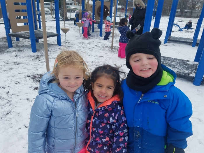 kids in snow
