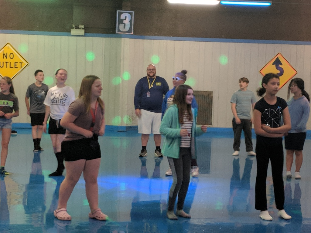 The sixth grade is celebrating the end of the year at the roller rink! #WalworthJ1